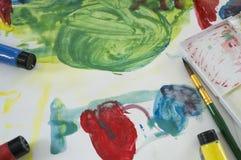Concetto di divertimento del gioco del bambino di istruzione di colore di acqua di arte fotografie stock libere da diritti