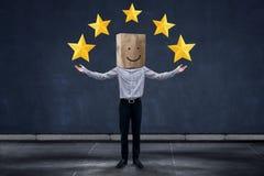 Concetto di esperienza del cliente, uomo d'affari felice Client con Smili fotografie stock