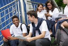 Concetto di felicità degli amici degli studenti di diversità Fotografie Stock Libere da Diritti