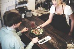 Concetto di felicità di Coffee Shop Cafe di barista della gente fotografie stock
