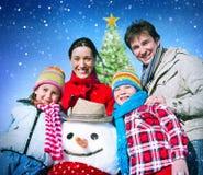 Concetto di felicità di inverno di festa di Natale della famiglia Immagini Stock Libere da Diritti