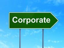 Concetto di finanza: Corporativo sul fondo del segnale stradale Fotografia Stock