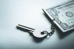 Concetto di finanze Investimento aziendale, successo chiave fotografie stock libere da diritti