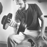 Concetto di forma fisica di esercizio di allenamento di addestramento del peso Immagine Stock