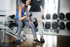 Concetto di forma fisica di esercizio di allenamento di addestramento del peso Fotografia Stock Libera da Diritti