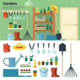 Concetto di giardinaggio Strumenti per il lavoro nel giardino Fotografia Stock