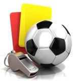 Concetto di gioco del calcio Carta di pena, fischio del metallo e pallone da calcio Fotografia Stock