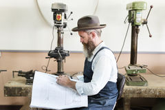 Concetto di Handicraft Wooden Workshop dell'artigiano del carpentiere immagini stock libere da diritti