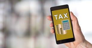 Concetto di imposta su uno smartphone immagine stock libera da diritti