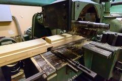 Concetto di industria di produzione, di fabbricazione e di falegnameria Equipm fotografie stock