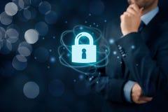 Concetto di Internet di Cybersecurity immagine stock