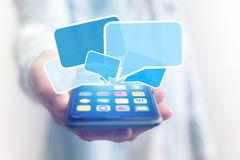 Concetto di invio del email sull'interfaccia dello smartphone con il messaggio CI fotografia stock