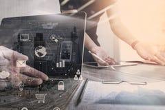 concetto di lavoro di riunione del gruppo di co, uomo d'affari facendo uso dello Smart Phone Fotografie Stock
