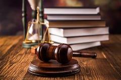 Concetto di legge. Maglio fotografia stock