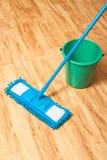 Concetto di legno del pavimento del lavaggio Fotografia Stock Libera da Diritti