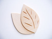 Concetto di logo di simbolo della foglia, icona di legno dell'illustrazione di progettazione di taglio Fotografia Stock Libera da Diritti