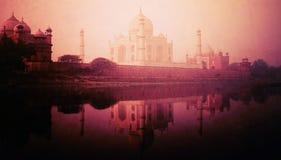Concetto di meraviglie di Taj Mahal Memorial Travel Destination 7 Immagine Stock Libera da Diritti