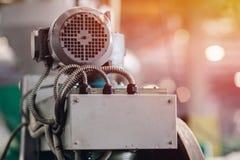 Concetto di metallurgia dell'industria pesante Dettaglio elettrico di produzione dell'azionamento del primo piano immagini stock libere da diritti