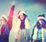 Concetto di Natale di vacanza invernale di godimento degli amici Fotografia Stock
