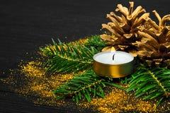 Concetto di natura morta con le decorazioni dorate Fotografia Stock Libera da Diritti