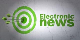 Concetto di notizie: obiettivo e notizie elettroniche sul fondo della parete Fotografie Stock