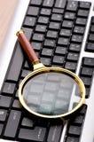 Concetto di obbligazione di calcolatore con la tastiera Fotografie Stock Libere da Diritti