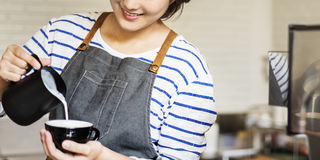 Concetto di ordine di Prepare Coffee Working di barista fotografia stock libera da diritti