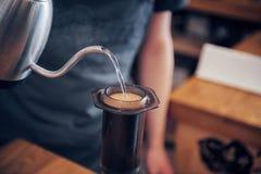 Concetto di ordine di Prepare Coffee Working di barista immagini stock libere da diritti