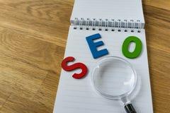 Concetto di ottimizzazione del motore di SEO Search come abbr variopinto di alfabeto Immagine Stock