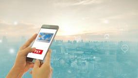 Concetto di pagamenti Rete bancaria mobile fotografie stock libere da diritti