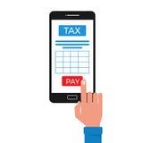 Concetto di pagamento di imposta Smart Phone con la domanda di tassa e touch screen del dito Immagine Stock