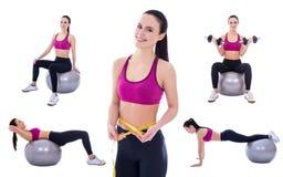 Concetto di perdita di peso - la donna esile negli sport indossa fare gli esercizi fotografie stock