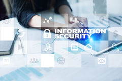 Concetto di protezione dei dati e di sicurezza dell'informazione sullo schermo virtuale Immagine Stock