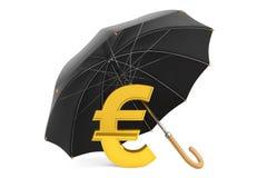 Concetto di protezione dei soldi. Euro segno dorato sotto l'ombrello Fotografie Stock