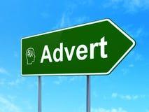 Concetto di pubblicità: Annuncio e testa con finanza Fotografia Stock Libera da Diritti