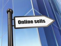 Concetto di pubblicità: il segno online vende sul fondo della costruzione Fotografie Stock