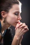 Concetto di religione - donna e la sua preghiera Fotografia Stock Libera da Diritti