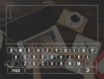 Concetto di ricerca online di comunicazione del collegamento della tastiera Fotografie Stock