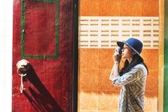 Concetto di ricreazione di hobby di Travel Sightseeing Wander del fotografo fotografia stock libera da diritti