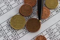 Concetto di risparmio di conto di pianificazione di finanza di affari contabilità, calcoli di affari, conteggio dei contanti immagini stock