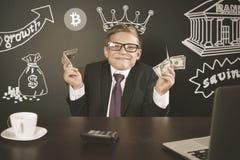 Concetto di riuscito ragazzo del commerciante, bitcoin commerciale con la borsa valori immagini stock libere da diritti
