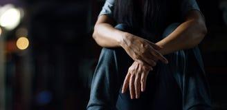 Concetto di salute mentale di PTSD Disordine post - traumatico di sforzo fotografia stock