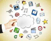 Concetto di servizio della nuvola con le icone sociali Fotografie Stock