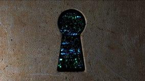 Concetto di sicurezza: streghi il codice ed il codice binario nel buco della serratura CyberSecurity Protegga il codice Fotografia Stock
