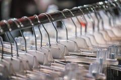 Concetto di stile del deposito di modo del vestito dal costume del negozio di vestiti Fotografia Stock