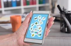 Concetto di strategia aziendale su uno smartphone fotografie stock libere da diritti