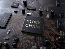 Concetto di tecnologia di Blockchain sul circuito fotografia stock libera da diritti