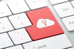 Concetto di tecnologia: Chiave di Whis della nuvola sulle sedere della tastiera di computer Immagini Stock Libere da Diritti