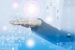 Concetto di tecnologia e di affari, gente di collegamento che usando tecnologia immagini stock libere da diritti