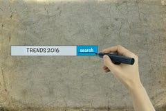 Concetto 2016 di tendenze su vecchio fondo di carta Immagini Stock